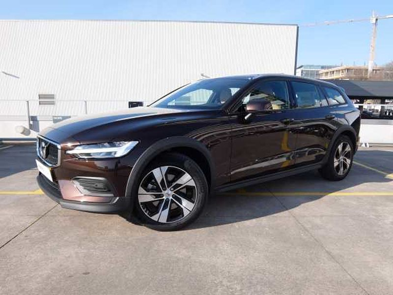 Volvo V60 Cross Country D4 190cv Momentum Geartronic AWD 8 Vel.